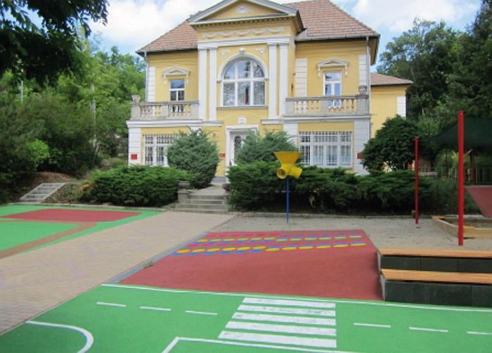 Felújított udvari játéktér a Bolyai Utcai Óvodában