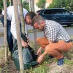 Az öntözőzsákok takarékosan és a locsolásnál hatékonyabban látják el vízzel a növényeket