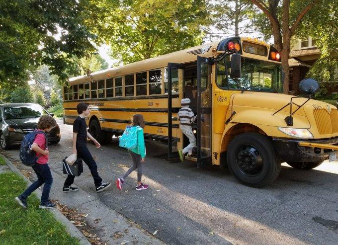 Iskolabuszprogram kerületünkben