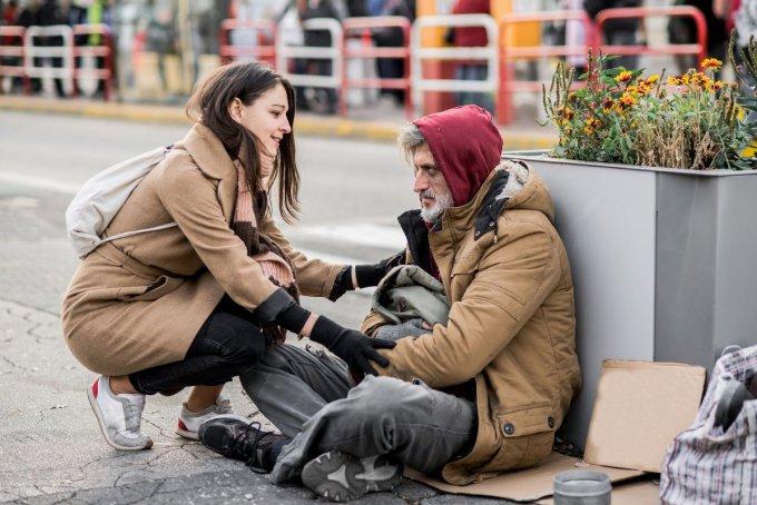 Tanácskozás a kerületi hajléktalanok téli ellátásáról