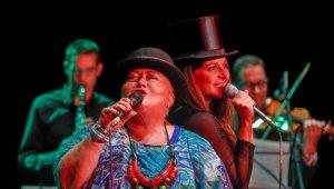 Falusi Mariann és Bíró Eszter a fesztiválon